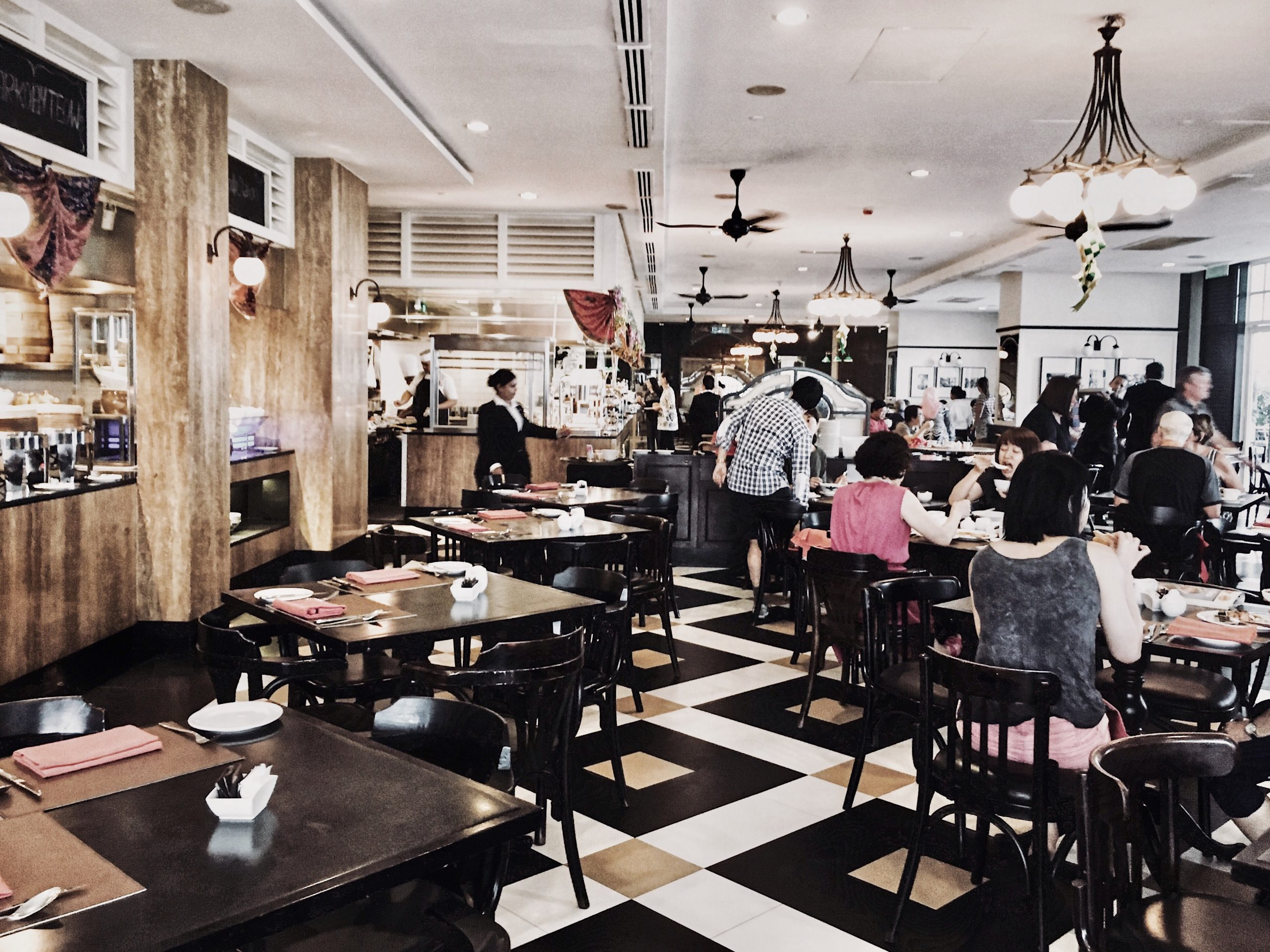 van thanh 1ktlYkBZZF4 unsplash 1 scaled - Mistakes to Avoid when Running a Restaurant